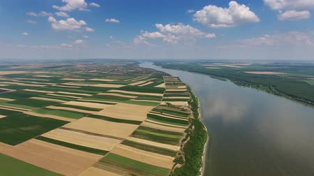 sérvia : Aerial view of fields on high bank of Danube Vídeos