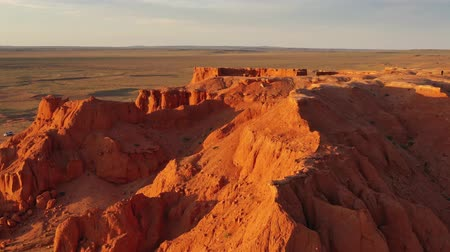 sediments : Bayanzag flaming cliffs at sunset in Mongolia Stock Footage
