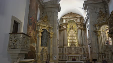 communie : Interior of Church of Mercy in Viseu, Portugal