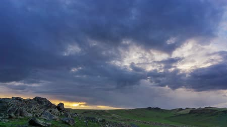 moğolistan : timelapse with dramatic sunset in Mongolia Stok Video
