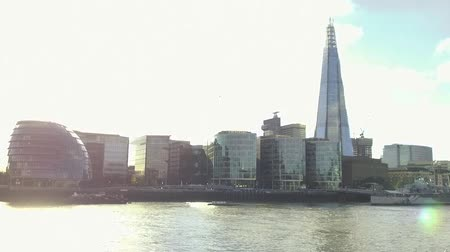 perçin : London skyline with famous skycrapers and the River Thames Stok Video