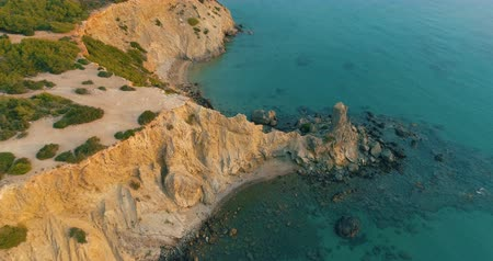 ações : droneshot of a beautiful ibiza coastline Stock Footage