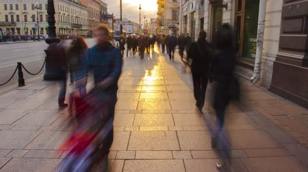 hurry : Crowded Sidewalk in a Big City Timelapse