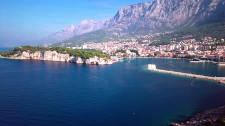 турель : Makarska, Croatia: panorama of the city Harbor with a view of the sea and the mountains shooting with the drone