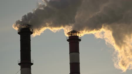 carbon dioxide : Air pollution from industrial plant pipes