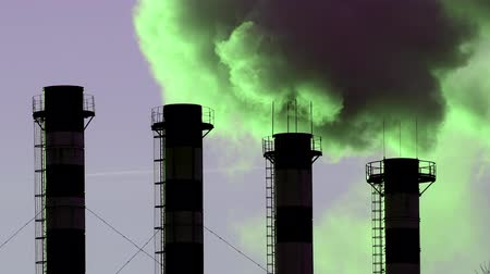 углерод : Air pollution from industrial plant pipes