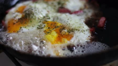 вылеченный : Bacon and fried Eggs