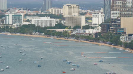 залив : PATTAYA, THAILAND - February 7, 2018: View of the Gulf South China Sea in Pattaya. Various ships are in the sea bay.