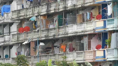 favelas : PATTAYA, THAILAND - December 16, 2017: Very poor area of the city where the poor and the poor live. Dirty and not well-groomed house for the poor