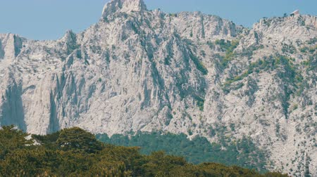 horská pastvina : Beautiful majestic rocky Crimean mountains not far from the Foros Dostupné videozáznamy