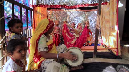 húr : Kaputhli, India - 20180302 - Puppet Theater With Drum Accompanyment w - sound