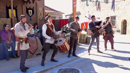 w : Penedono, Portugal - 20170701 - Medieval Fair  -  Drum and Pipe Corp Change Beat w - Sound