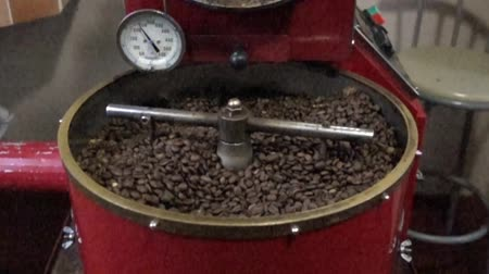 roaster : Boquete, Panama - 20171203 - Slow Motion Coffee Roasting