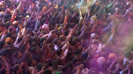 vallási : Barsana, India - 201802242 -  Holi Festival  -  Chaos  -  Packed Crowd Throws Paint