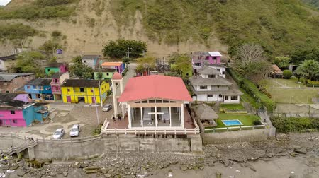 ladrillo : La Entrada, Ecuador - 20180913 - Aeiral Drone Time Lapse of Colorful Houses From The Beach