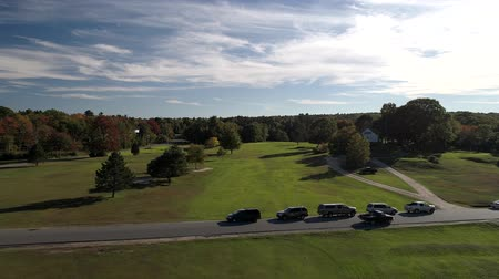 фарватер : Chebeague Island, Maine  -  20181006  -  Aerial Drone  -  Fly Over Chebeague Inn Golf Fairway Over Parked Cars