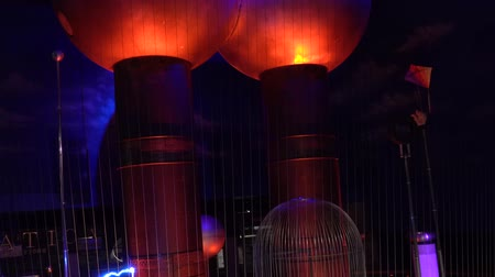 jelenség : Boston, Massachusetts - 20181023 - Museum of Science  -  Various Electrical Discharges Create Music  -  with audio