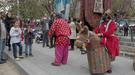 acteur : Tehran, Iran - 2019-04-03 - Street Fair Entertainment 5 - Children Skit 2. Stockvideo