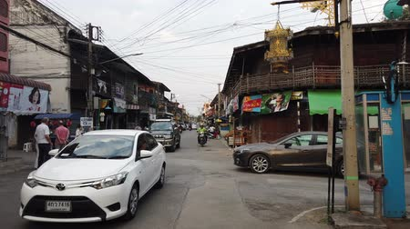 джем : Lampang, Thailand - 2019-03-07 - View of Traffic in Main Street in Town. Стоковые видеозаписи