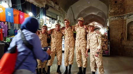 persie : Kerman, Iran - 2019-04-06 - Iranian Soldiers Pose For Photographs.