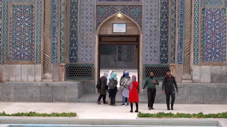 persie : Kerman, Iran - 2019-04-06 - People Gather In Front of Ganjali Mosque.