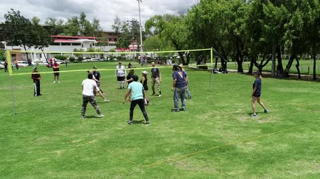 servir : Cuenca, Ecuador - 2019-02-10 - Voleibol Park Pickup - Long Point. Archivo de Video