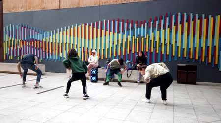 taniec : Valparaiso, Chile - 2019-07-13 - Students Practice Hip Hop Dance. Wideo