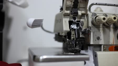 przeszczep : Closeup shot of sewing machine in slow motion. Wideo