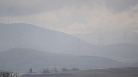 výhoda : Cloudy day in a windmill farm in the mountain in Turkey, Isparta province