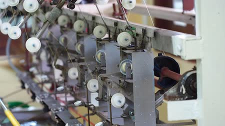 maquinaria : textile machine in working manner