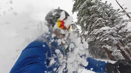 лыжник : Powder Face Shots While Downhill Skiing in Colorado,