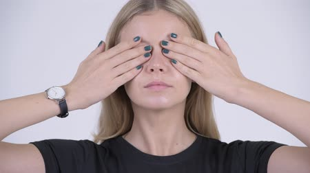 moudrý : Face of young beautiful blonde woman covering eyes as three wise monkeys concept