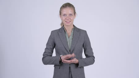 ovation : Young happy blonde businesswoman clapping hands