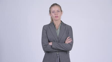 zuřivý : Young angry blonde businesswoman with arms crossed Dostupné videozáznamy