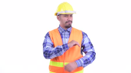 slecht nieuws : Stressed bearded Persian man construction worker getting bad news