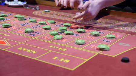 The Chips On The Gaming Table Dostupné videozáznamy
