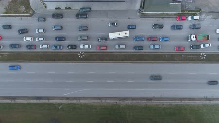 мостовая : Traffic Jam Top View, automobile traffic and jam of many cars, transportation concept. Стоковые видеозаписи