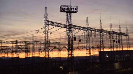 voltů : Silhouette Power Transmission Tower And High Voltage Power During Twilight Time