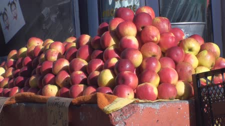 marktkraam : Appels In de markt nog steeds-Shot Stockvideo