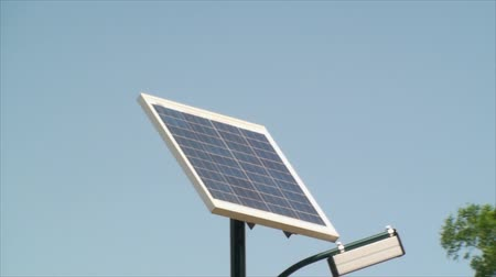 fotovoltaica : Solar Power Panel, Clean Energy, Eco, Friendly, Blue Sky, Summer,Green, Zoom Out