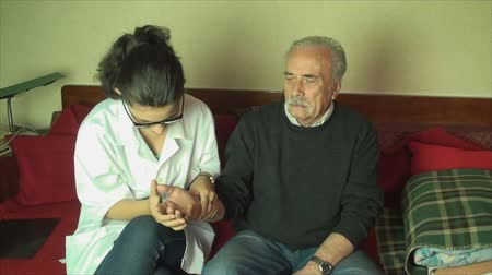 física : 80 Year Old Man Checked Up, By His Medical Student Grand Daughter, Arthritis,Pan