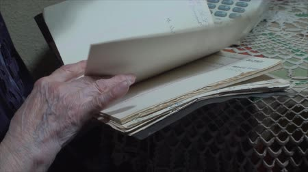 adresář : 98 Years Old Woman,Searching Through Address Book, Communication, Hand Detail