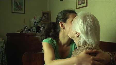 мама : Grand Grand Daughter, Hugging And Kissing Her Great Grand Mother, Happy Family, Side
