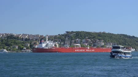 przesyłka : Greece May 18 2014 at Bosporus Istanbul. Crude tankers move large quantities of unrefined crude oil from its point of extraction to refineries. Product tankers generally much smaller are designed to move refined products from refineries to points near con
