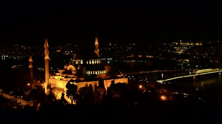 минарет : Aerial view of Istanbul Suleymaniye Mosque at night Стоковые видеозаписи
