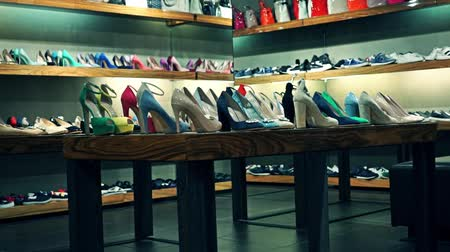 ayakkabı : Shoes and bags store zoom out video Stok Video