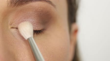 marcador : Brown eye shadows finished Stock Footage