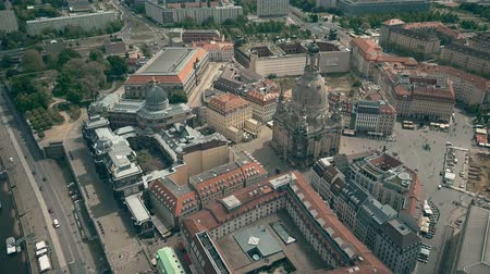 barok : Aerial shot of the Frauenkirshe or Church of Our Lady and Neumarkt square in Dresden