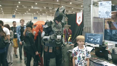 косплей : POZNAN, POLAND - MAY 19, 2018. Young man wearing DIY Batman cosplay costume