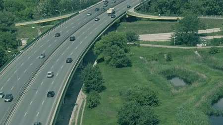 маркировка : Aerial view of cars moving along the highway